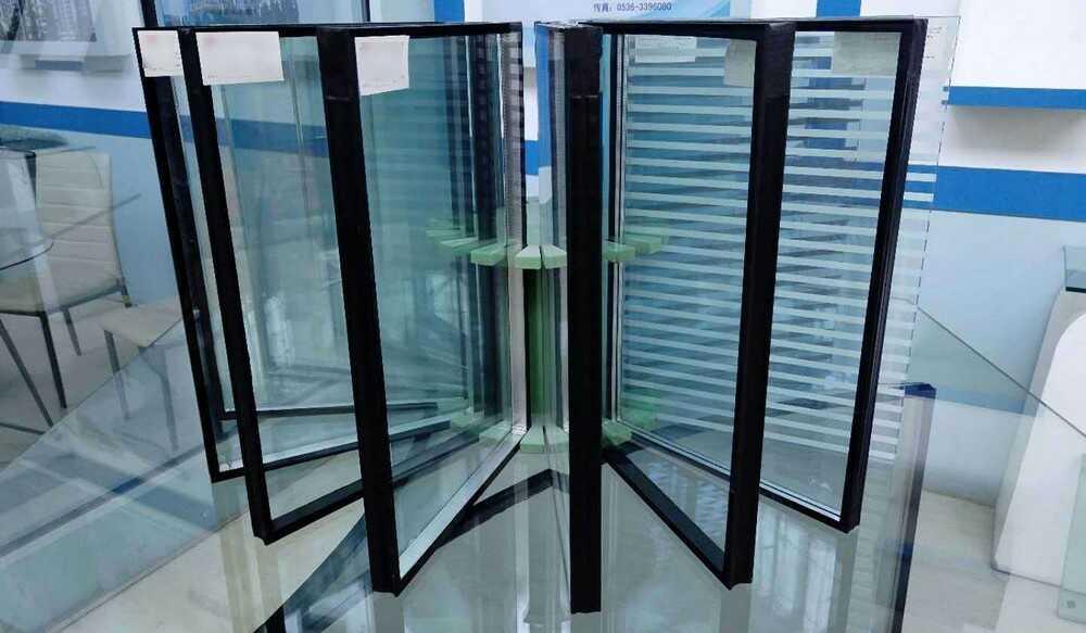 Пластиковые окна и вакуумные стеклопакеты – краткий обзор
