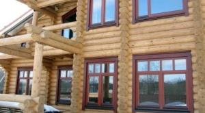 Read more about the article Пластиковые окна Рехау в дом из бревна — сруб